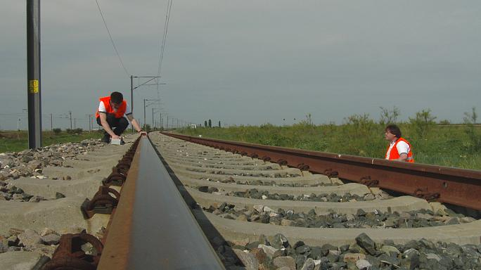 Do you know: what's better - a road or a rail?