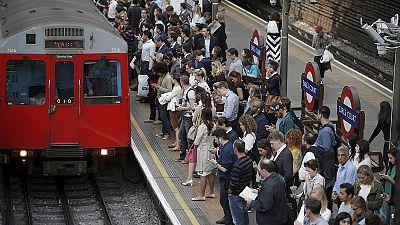 Londres: Trabalhadores do metro iniciam greve de 24 horas