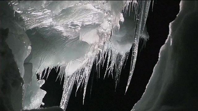 النهر الجليدي لانغجيكول، قبلة السياح في أيسلندا