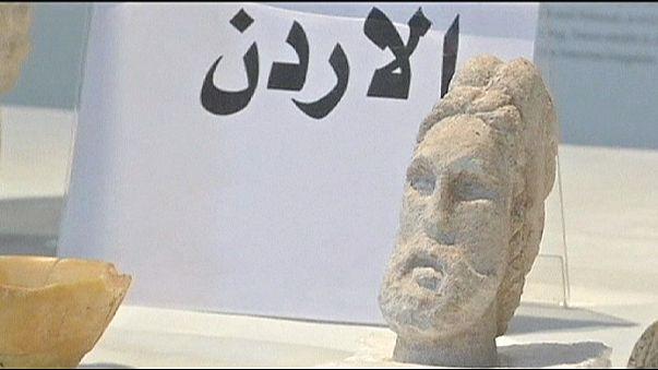 Ираку вернули часть похищенных древностей