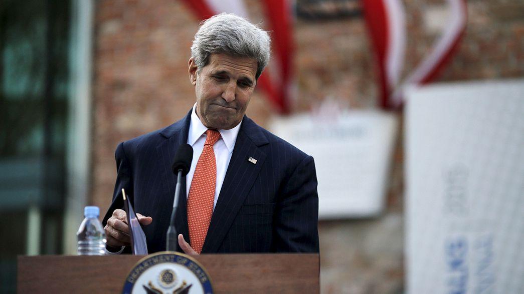 """John Kerry: """"Negociações sobre o nuclear iraniano vão continuar mas não indefinidamente"""""""