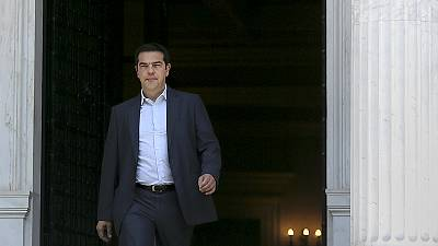 Greece submits last-ditch reform proposals to international creditors