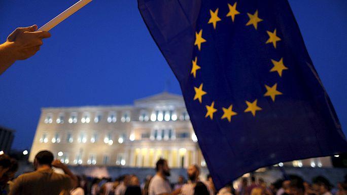 Греки призывают быть начеку, чтобы остаться в еврозоне