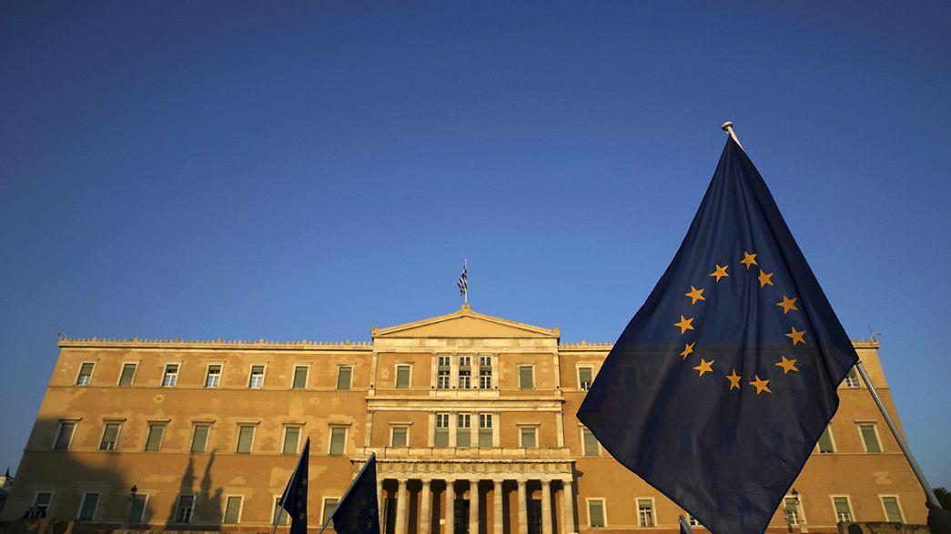 Atina'nın Eurogroup'a sunduğu reform paketi parlamentoda oylanıyor
