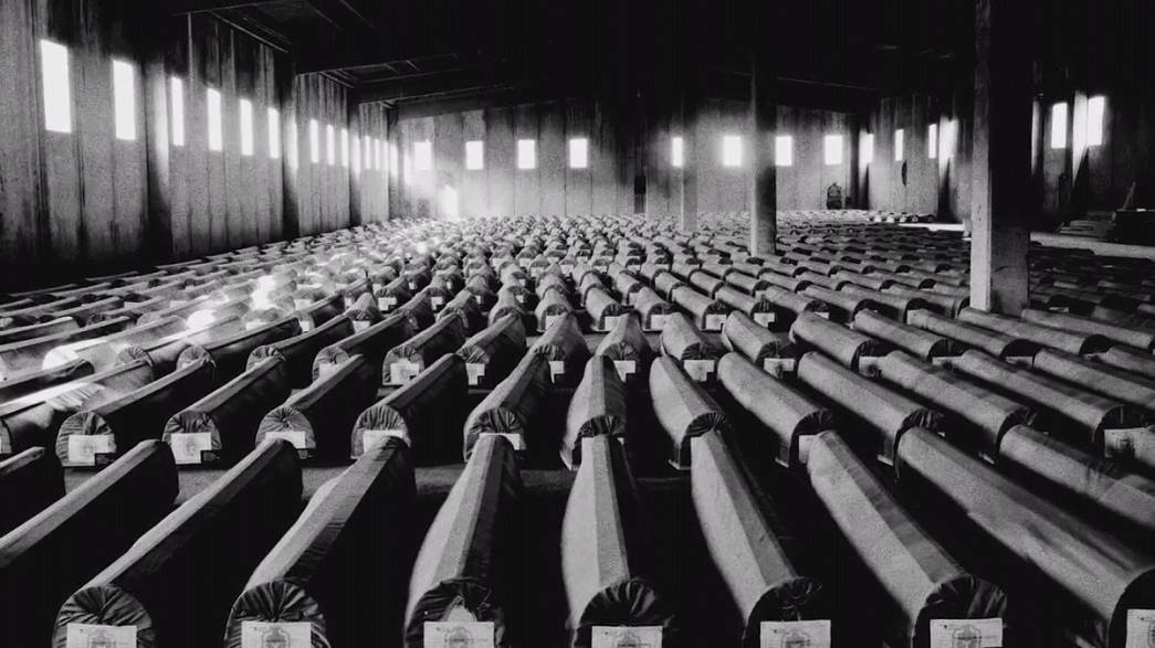 As fotografias do massacre de Srebrenica: o inimaginável aconteceu há 20 anos