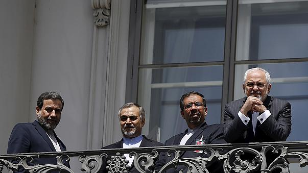 Iráni atom: a felfüggesztett uniós szankciók hétfőig nem lépnek életbe