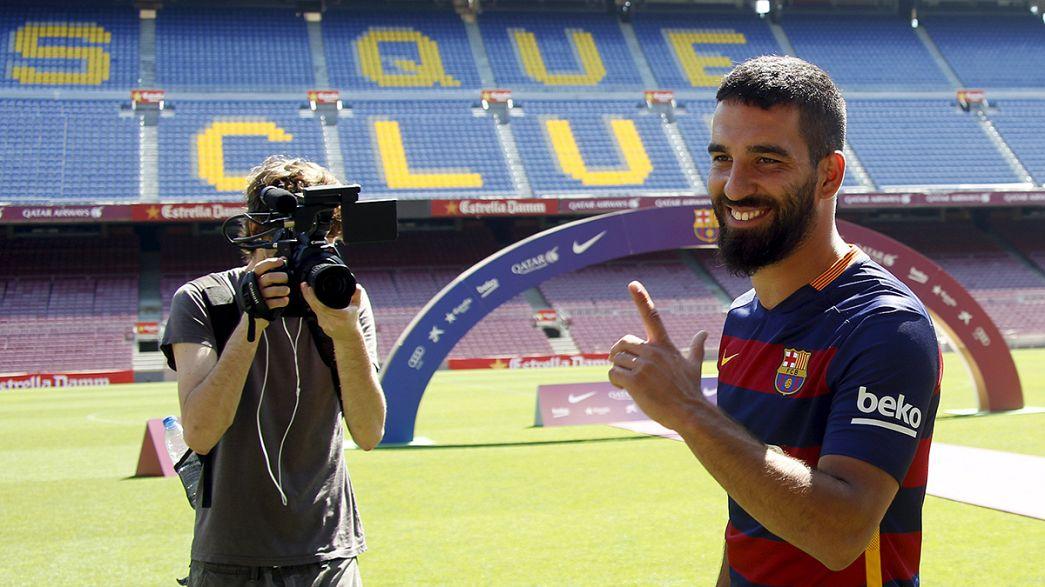 أف سي برشلونة يقدم رسميا أردا توران