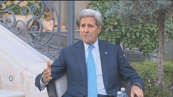 """Керри отмечает """"прогресс"""" на переговорах, иранцы недовольны"""