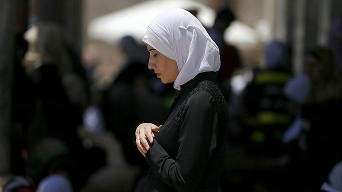 Jeruzsálem: a muszaharati dobszóval ébreszt a Ramadan idején