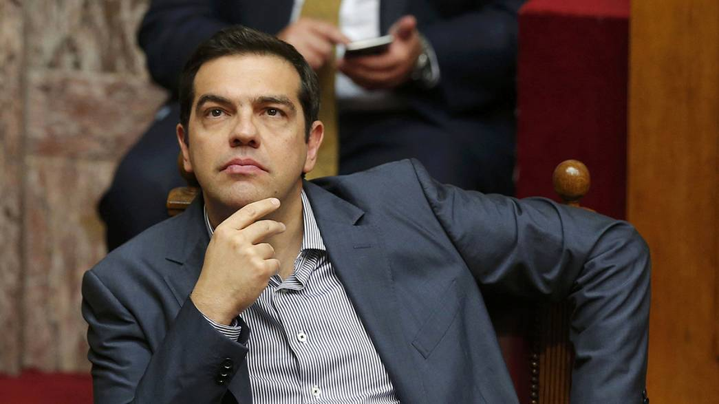 Greek parliament gives Tsipras strong mandate to complete reform negotiations