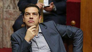 Grécia: Parlamento aprova pacote de propostas de Tsipras