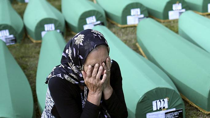 Bosnia remembers mass killings in Srebrenica
