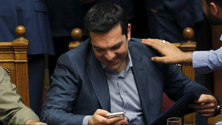 Greek parliament votes overwhelming 'Yes' to Tsipras' reform proposals