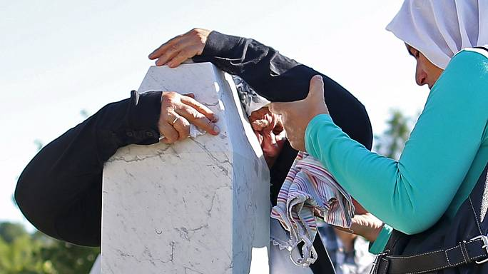 Bósnia: Campos de refugiados temporários funcionam há 20 anos