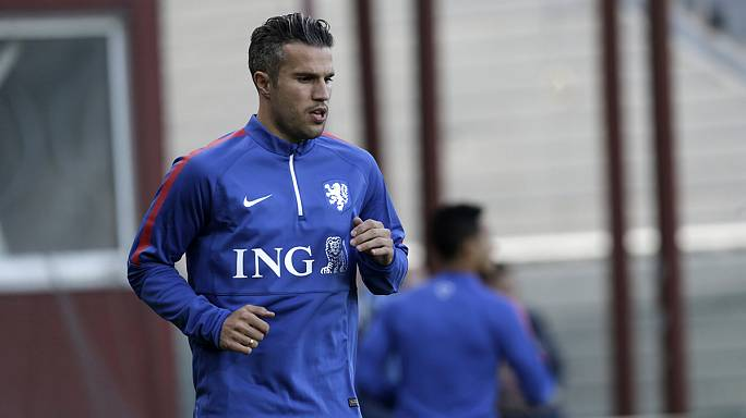 Van Persie follows Nani to Fenerbahce
