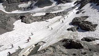 Hegyi biciklizés a jégen