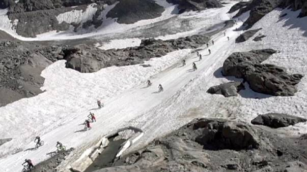 سباق الهبوط بالدراجات الهوائية في جبال الألب