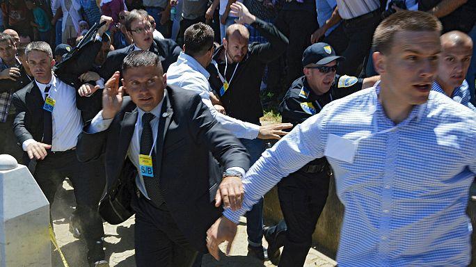 Srebrenitsa'da Sırbistan Başbakanı Vuçiç'e büyük tepki