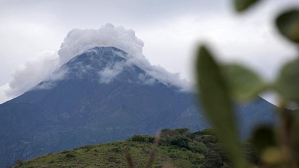 Mexique : éruption du volcan Colima et évacuation d'habitants