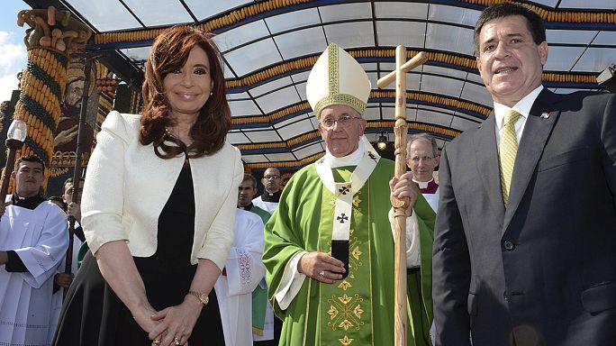 البابا فرنسيس يختتم جولته في امريكا الجنوبية
