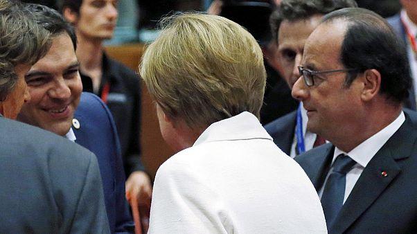 Συμφωνία ύστερα από 17 ώρες σκληρών διαπραγματεύσεων