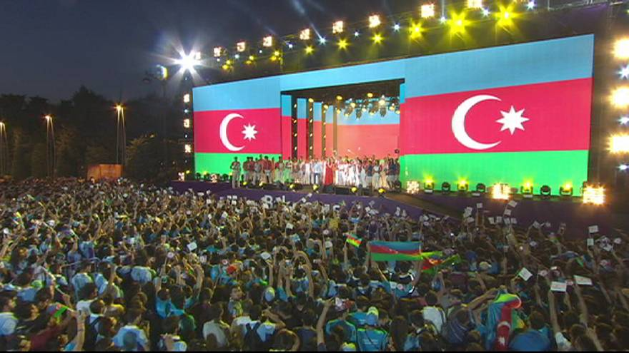 Thousands celebrate end of European Games in Baku