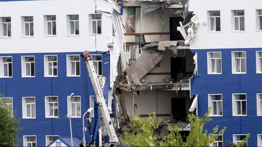 Russian soldiers die when military barracks in Siberia collapse