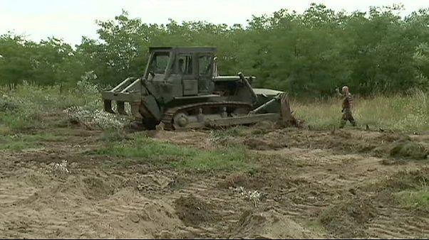 المجر تبدأ أعمال الحفر لتشيد سياج على الحدود مع صربيا للحد من تدفق المهاجرين