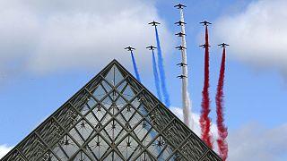 Francia rinde tributo a las fuerzas antiterroristas en la Fiesta Nacional