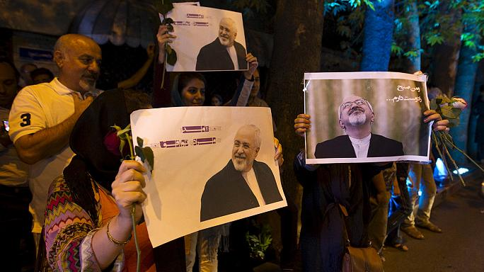 Zarif gets hero's welcome in Tehran after concluding nuclear deal