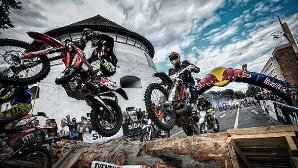 Tozu dumana katan motor yarışı : Red Bull Romaniacs