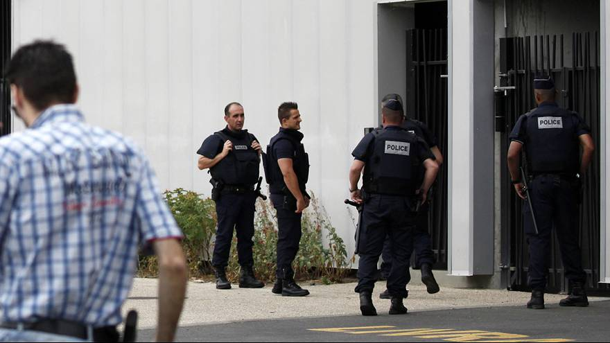 French security forces foil a suspected terror attack on a military base