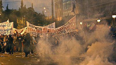 Grecia, scontri di piazza. Guerriglia urbana e 40 arresti.