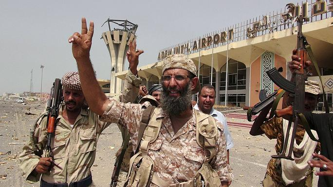 Exiled Yemen government sends delegation back to war-torn Aden