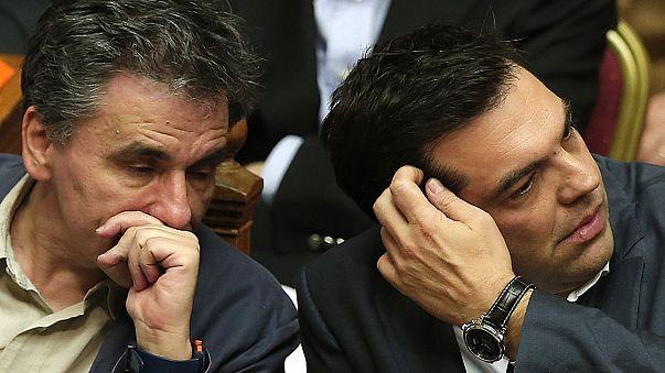 Tsipras gewinnt die Abstimmung, aber verliert seine Mehrheit