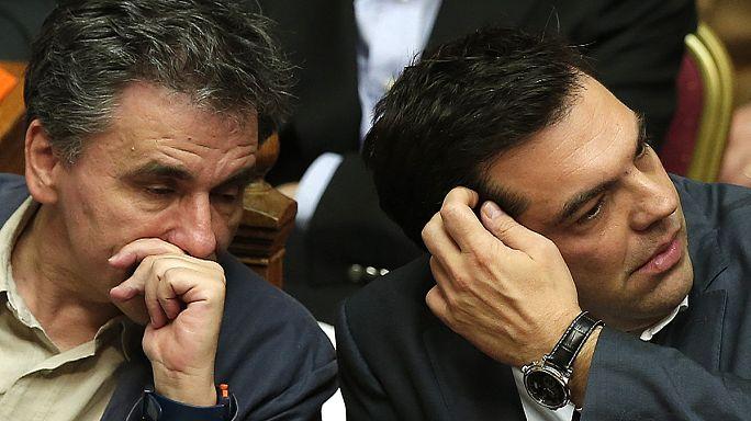 Kemer sıkma önlemleri Syriza'yı böldü
