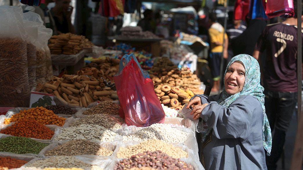 Muçulmanos preparam-se para a grande festa do Eid Al-Fitr
