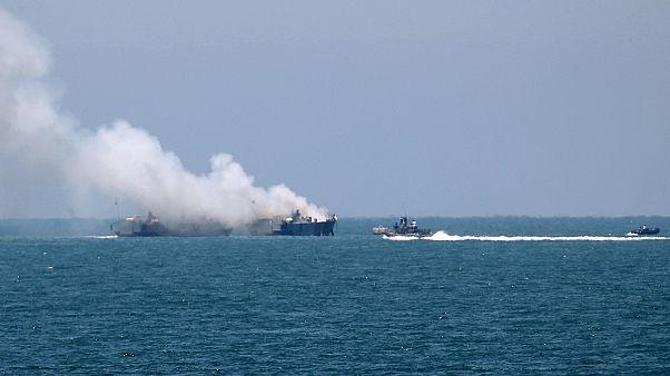 گروه ولایت سینا یک کشتی نیروی دریایی مصر را هدف راکت قرار داد