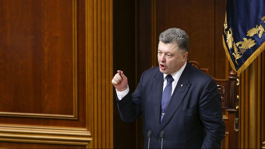 Ukraine : un premier pas vers plus d'autonomie dans l'Est, toujours en proie aux violences
