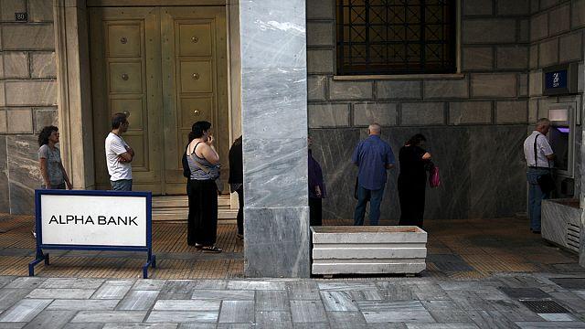 Yunanistan'da bankalar pazartesi açılıyor