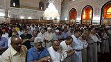 Muçulmanos celebram o fim do mês santo do Ramadão