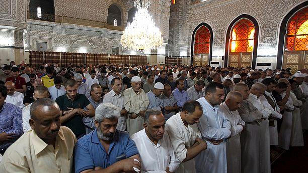 Eid al-Fitr 2015: Muslims mark the end of Ramadan around the world