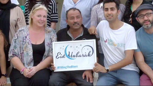 Dubaj: a ramadán alatt ételt osztottak a munkásoknak