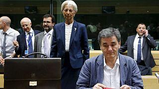 Grécia: Bruxelas diz que reestruturação da dívida fará parte de negociações