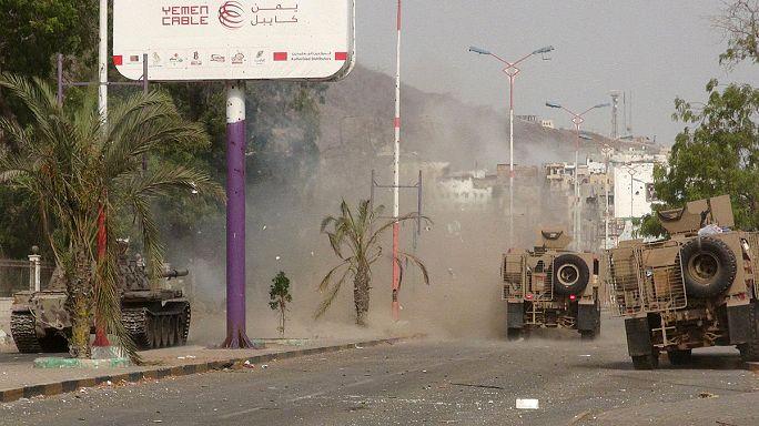 Yemen hükümetine bağlı güçler Aden'in kontrolünü ele geçirdi