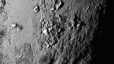 """Video: Nasa-Sonde """"New Horizons"""" entdeckt riesige Eisfläche auf Pluto"""