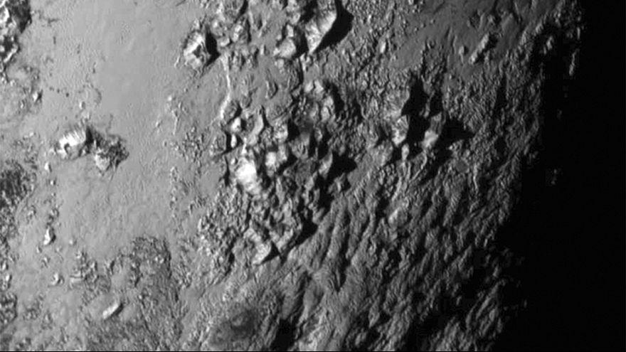 Spazio: vasta pianura ghiacciata su Plutone secondo nuove immagini