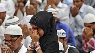 Los musulmanes celebran el Eid al Fitr