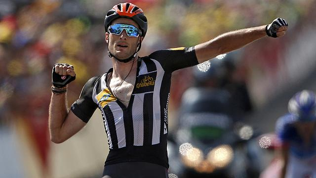Tour de France: Cummings wins his first stage