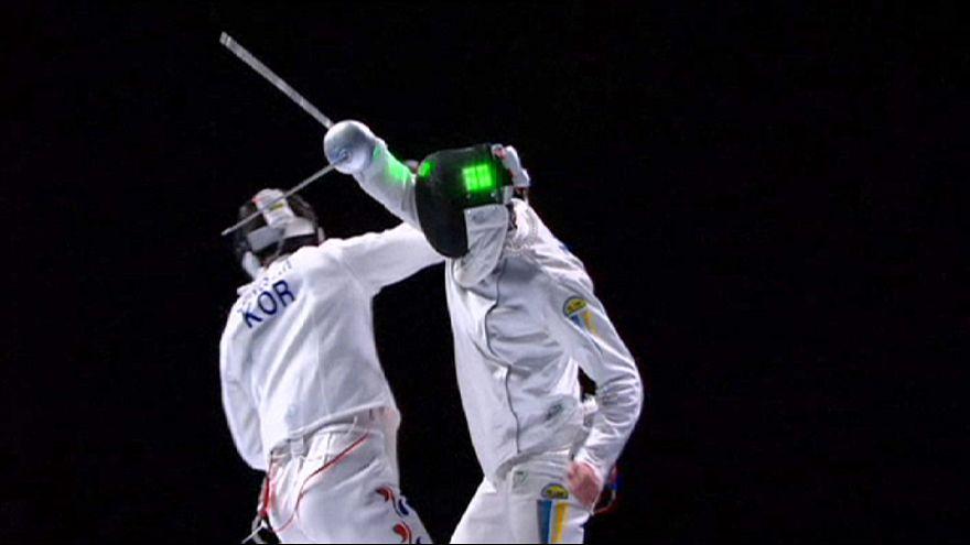 """Украина и Китай выиграли """"золото"""" в командном состязании на шпагах"""